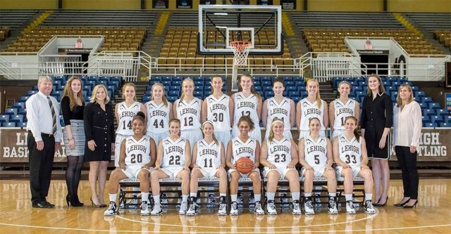 2016_17_wbb_team_photo_edited_cropped_6317